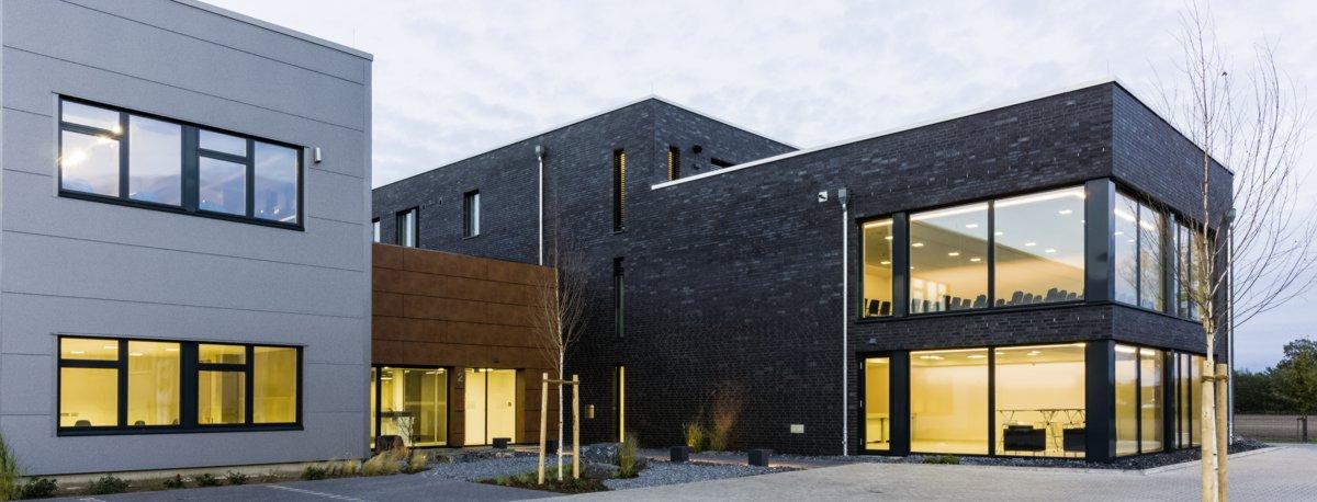 Gebäude der Stelter Bautechnik GmbH mit Seminarräumen in Verl